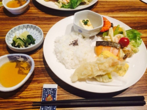&cafe寿司一本店